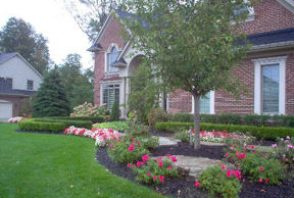 Planting Bed Maintenance South East Michigan